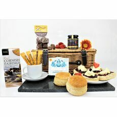 'Four Friends Meet For Coffee' Hamper