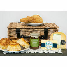 The Ultimate Cornish Cheese Lover\'s Treat Hamper