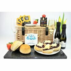 Classic Cornish Cream Tea & Prosecco Hamper