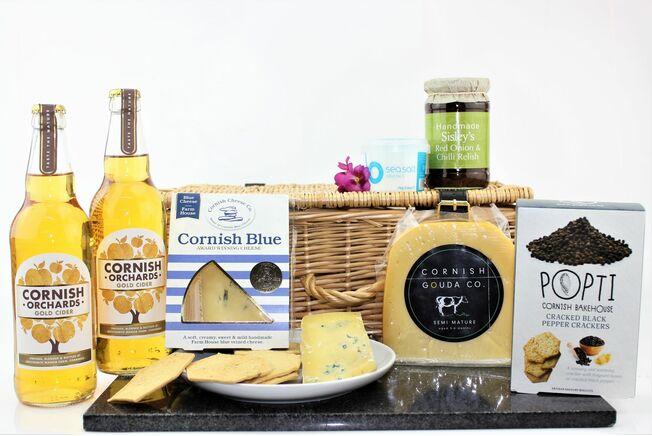 Classic Cornish Cheese Lunch Hamper