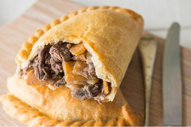 Cornish Premier Medium Steak Pasties (Box of 12)