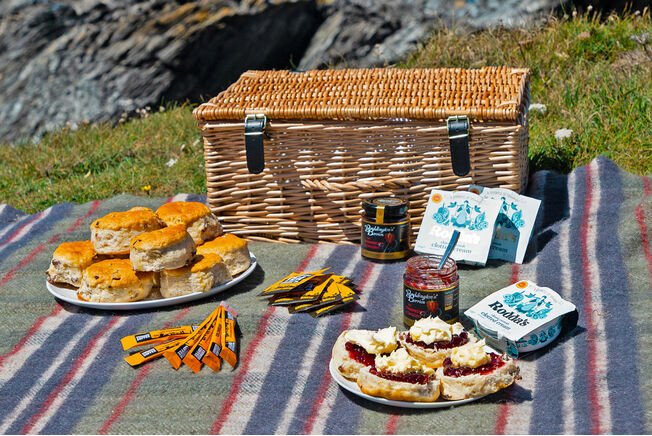 Cornish Coastal Picnic Hamper