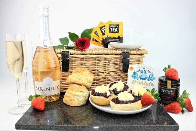 Cornish Afternoon Tea & Prosecco Hamper